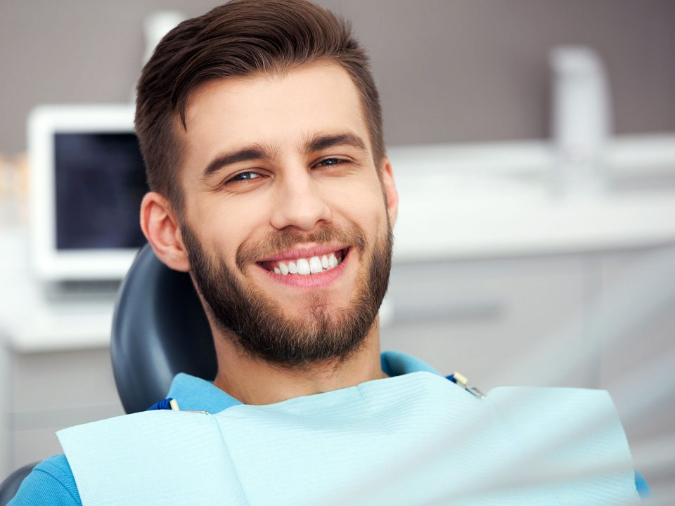 Overview of teeth whitening and dental hygiene services by Flossbar